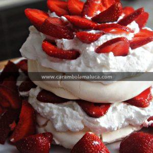 Receita de Torta de Morango e Merengue para o Dia dos Namorados