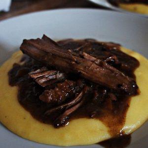 Receita de Carne de Panela Tipo Italiana com Polenta